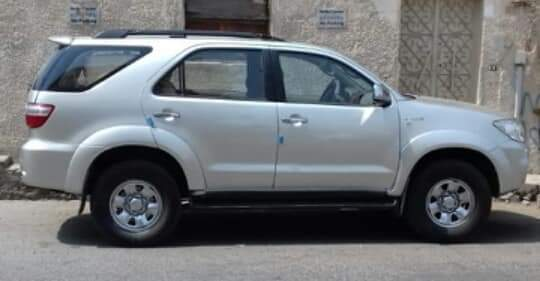 Toyota Fortuner Model 2O11 for sale