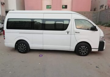 Toyota HI Roof (14 Seater) pickup and drop