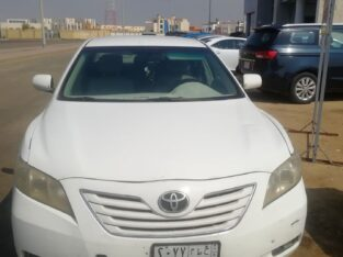Toyota Camry Model 2008 Manual gear sale in Jeddah