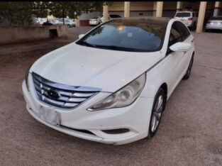 Hyundai sonata 2012 Automatic transmission sale in Riyadh