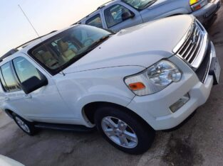 FORD EXPLORER Model 2010 For sale in Riyadh