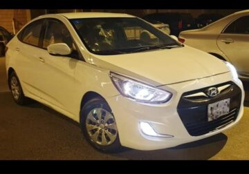 Hyundai Accent 2017 for sale white in colour Riyadh