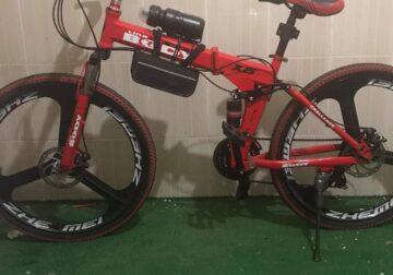 دراجة هوائية قابلة للطي مع زجاجة مياه مع شنطة عده